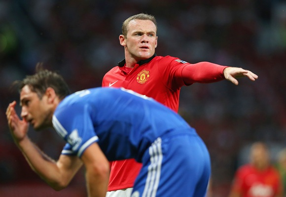 Wayne Rooney of Manchester United gestures