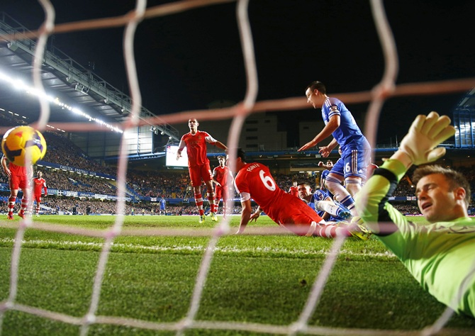 Chelsea's Gary Cahill scores a goal against Southampton