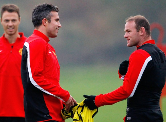 Wayne Rooney (right) and Robin van Persie of Manchester United