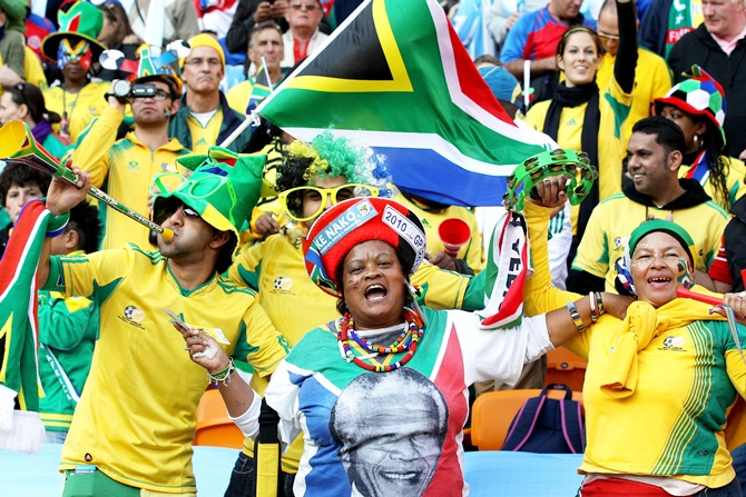 South Africa fans show their support for Nelson Mandela