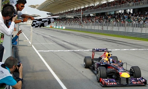 Formula One to award double points for final race