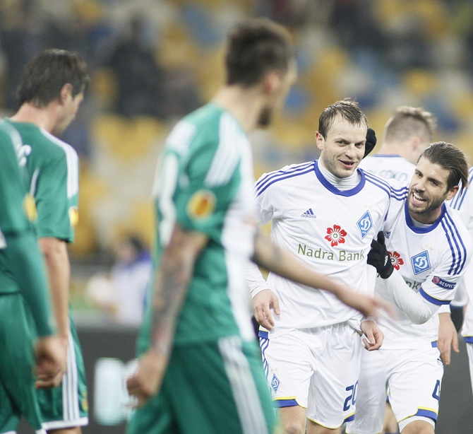 Dynamo Kiev's Oleh Gusev (second Rright) celebrates