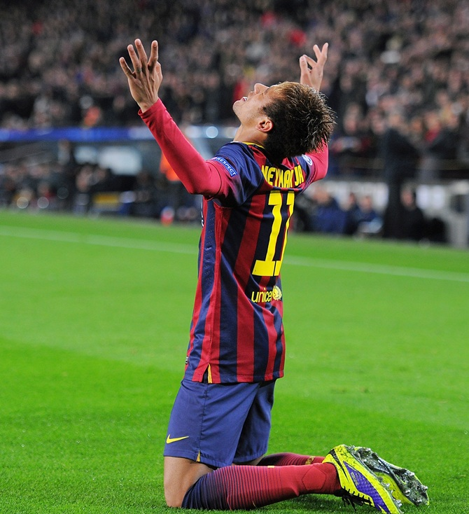 Neymar of FC Barcelona celebrates a goal