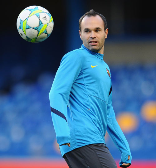 Rediff Sports - Cricket, Indian hockey, Tennis, Football, Chess, Golf - Barca's Andres Iniesta agrees three-year contract extension