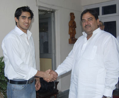 Abhay Singh Chautala with Indian boxer Vijender Singh