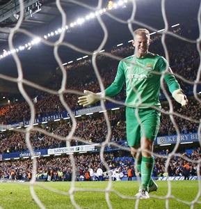 Goalkeeper Hart is 'best in England' says Pellegrini