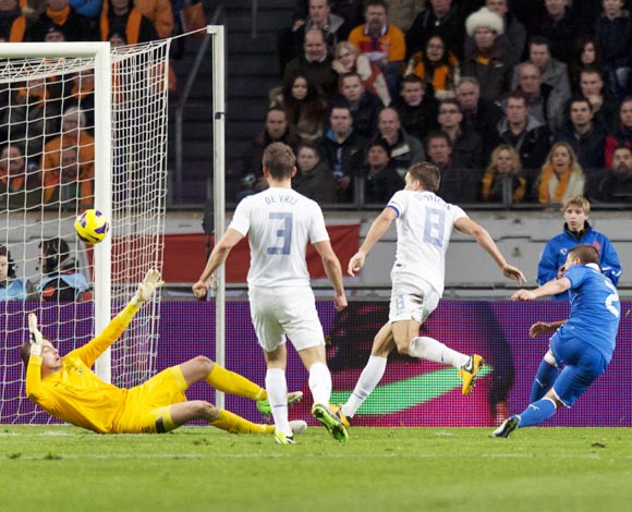 Italy's Marco Verratti scores a goal in stoppage time to level scores