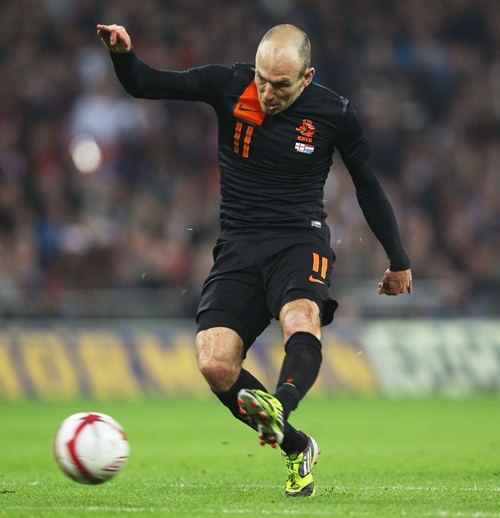 I do not see any reason why I should not play against Arsenal: Robben