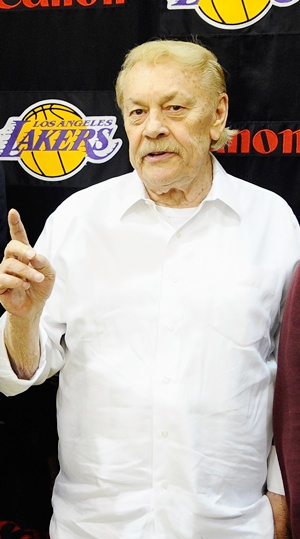 Los Angeles Lakers owner Jerry Buss dies at 80 - Rediff.com Sports cd581fb50