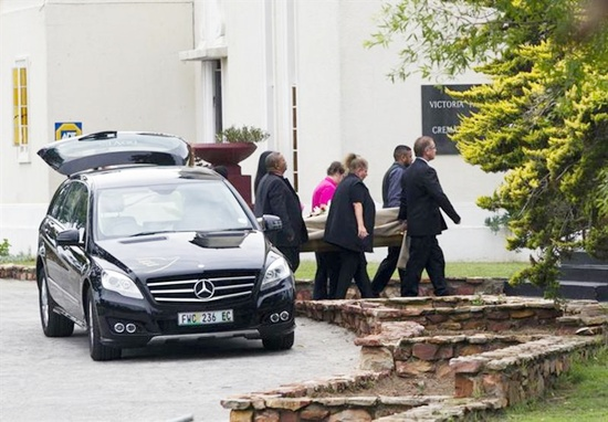 The body of model Reeva Steenkamp arrives at the Victoria Park Crematorium