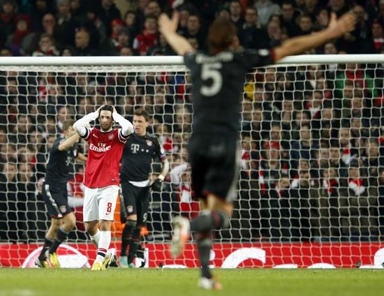 Arsenal's Mikel Arteta reacts after Bayern Munich scored