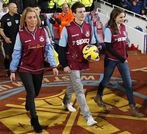 Grandchildren of Bobby Moore