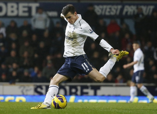 Tottenham Hotspur's Gareth Bale scores the game-winning goal