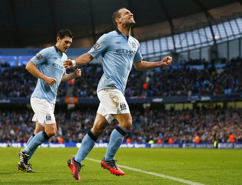 Manchester City's Pablo Zabaleta celebrates