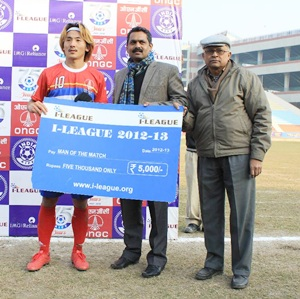 Man of the Match Yusa Katsumi with FIFA Regional Development Officer for South Asia Shaji Prabhakaran and honorary secretary of Delhi Soccer Association Sayeed Saheen