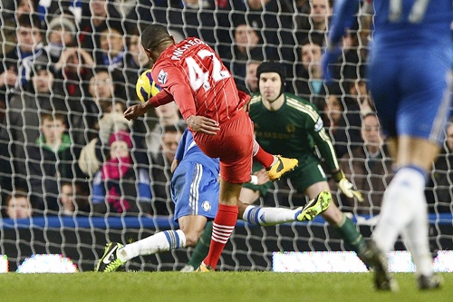 Southampton's Jason Puncheon (42) shoots and scores his team's second goal against Chelsea