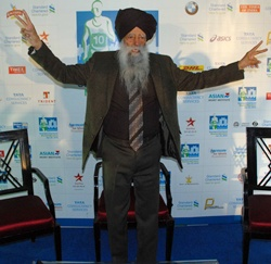 Fauja Singh in Mumbai on Friday