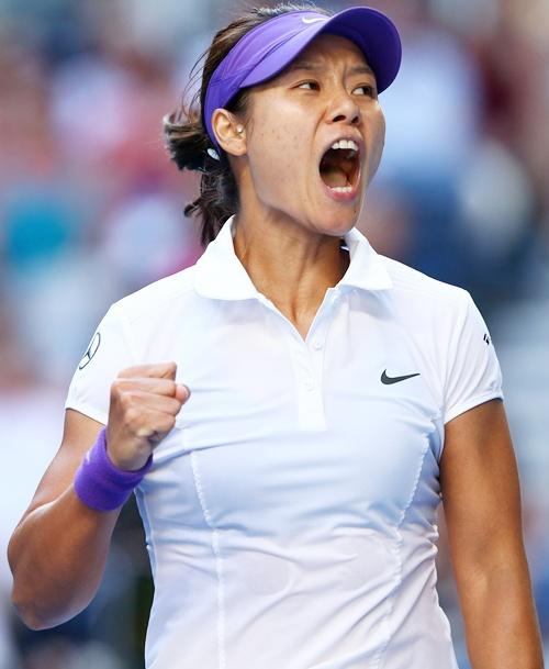Na Li of China celebrates