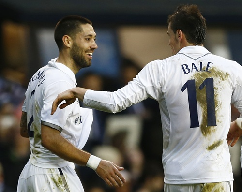 Tottenham Hotspur's Clint Dempsey (left) celebrates
