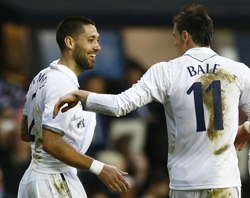 Tottenham Hotspur's Clint Dempsey (left) celebrates