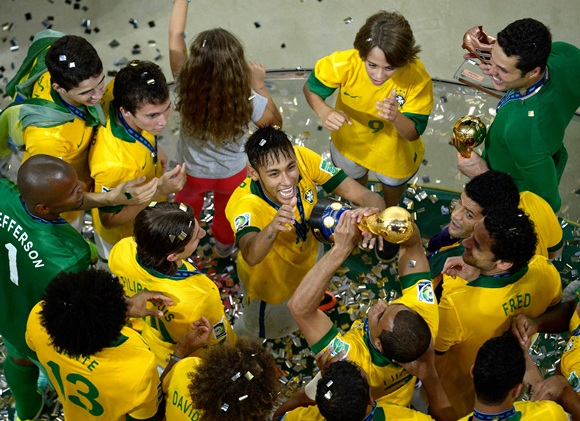 Neymar of Brazil and his teammates celebrate