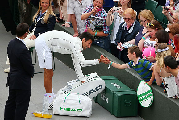 Fans add colour and excitement at Wimbledon