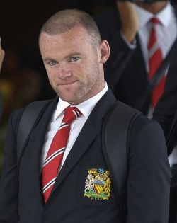 Rooney still considering move out of Manchester United