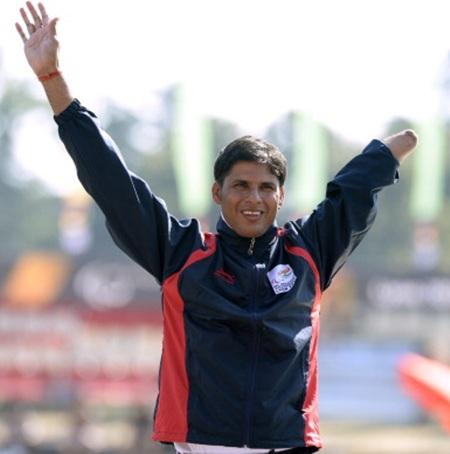 Devendra Jhajharia celebrates after winning