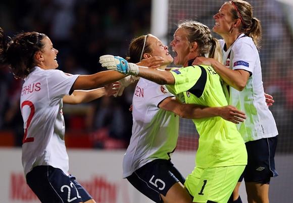 Ingrid Hjelmseth (centre), goalkeeper of Norway celebrate with her teammates