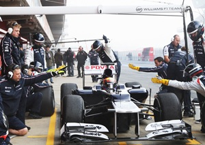 Formula One mulls over minimum pitstop times