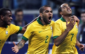 Brazil scrap their way to 3-0 win over France