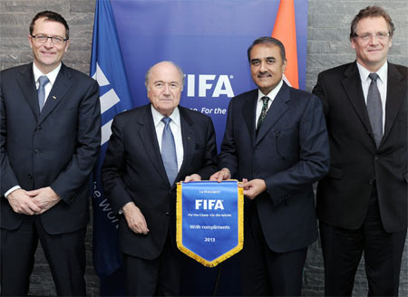 Rediff Sports - Cricket, Indian hockey, Tennis, Football, Chess, Golf - India confident of winning Under-17 football World Cup bid
