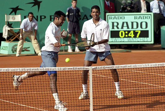 Leander Paes and Mahesh Bhupathi enroute to their 2001 French Open crown