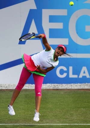 Rediff Sports - Cricket, Indian hockey, Tennis, Football, Chess, Golf - Sania-Huber in quarter-finals at Eastbourne