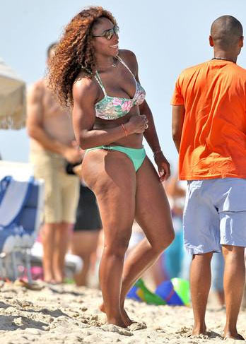 Serena Williams shows off bikini body on holiday