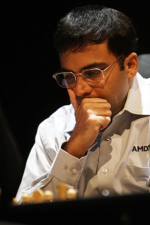 Rediff Sports - Cricket, Indian hockey, Tennis, Football, Chess, Golf - Carlsen defeats Anand in Tal Memorial Chess