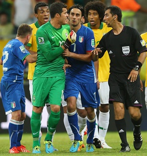 Confederations Cup: Referee admits to mistake with Italy goal