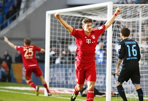 Mario Gomez of Bayern Munich celebrates