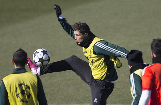 Real Madrid's Cristiano Ronaldo controls the ball during a training session