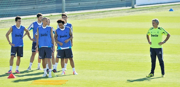 Jose Mourinho with Real Madrid players