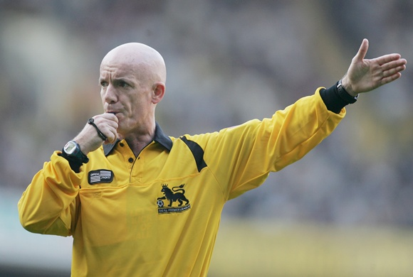 Referee Dermot Gallagher