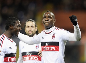 Mario Balotelli of AC Milan (right) celebrates