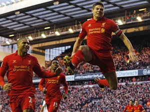 Liverpool's Steven Gerrard (right) celebrates