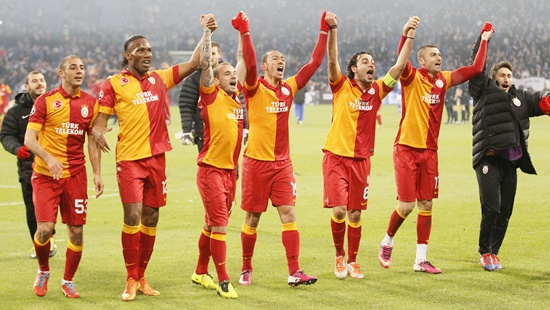 Galatasaray's players celebrate their victory over Schalke 04