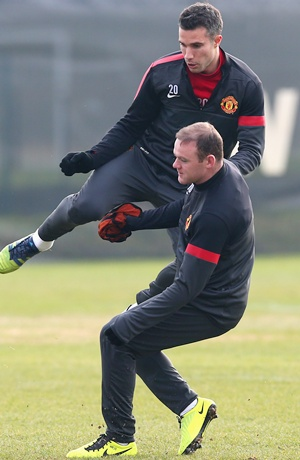 Wayne Rooney of Manchester United with Robin Van Persie