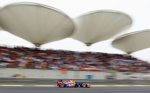 ebastian Vettel of Germany and Red Bull Racing drives during the Chinese Formula One Grand Prix at the Shanghai International Circuit on April 15, 2012 in Shanghai, China