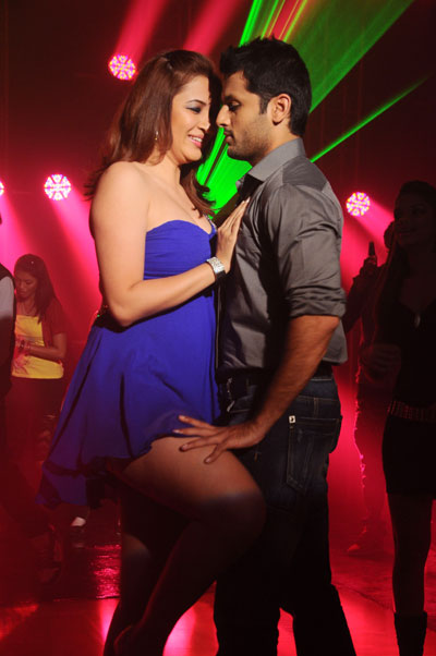 PHOTOS: Gorgeous Jwala Gutta sizzles in item number with Nithin