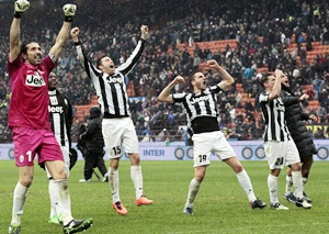 Juventus' players celebrate
