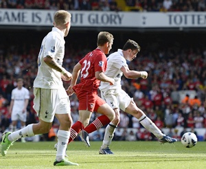 Bale strikes to boost Spurs' Champions League bid
