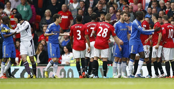 Manchester United and Chelsea players argue